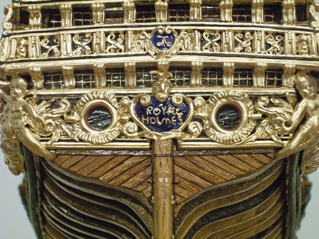 Bottom of the Stern, Close-up